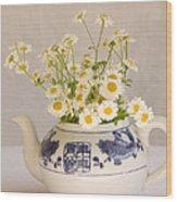 Daisies In A Teapot Wood Print