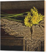 Daisies On The Table Wood Print