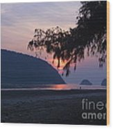 Dawn By The Sea Wood Print