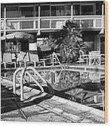 Del Marcos Pool Bw Palm Springs Wood Print