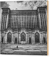 Detroit's Abandoned Michigan Central Train Station Depot In Black And White Wood Print