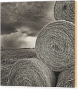 Distant Thunderstorm Approaches Hay Bales E90 Wood Print