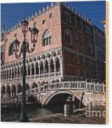 Doges Palace With Bridge Of Sighs Wood Print