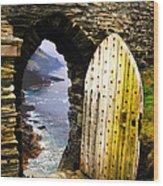 Doorway To The Sea Wood Print