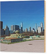 Downtown Chicago With Buckingham Fountain 2 Wood Print
