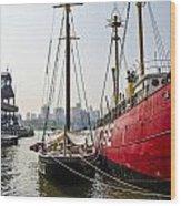 Ducking At City Harbor Wood Print