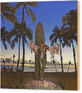 Duke Kahanamoku Statue At Dusk Wood Print