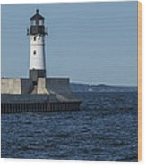 Duluth N Pier Lighthouse 40 Wood Print