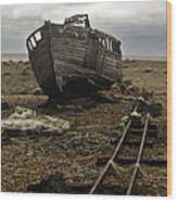 Dungeness Wood Print by Lesley Rigg