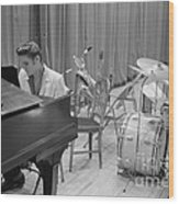 Elvis Presley On Piano Waiting For A Show To Start 1956 Wood Print