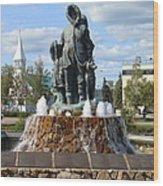 Fairbanks Statue Wood Print