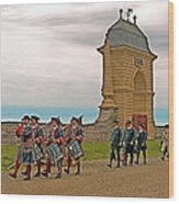 Fife And Drum Parade In Louisbourg Living History Museum-1744-ns Wood Print