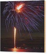 Fireworks Over Lake Wood Print by Raymond Earley
