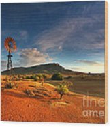 First Light On Wilpena Pound Wood Print by Bill  Robinson