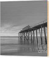 Fishing Pier Sunrise Bw Wood Print