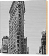 Flat Iron In Black And White Wood Print by Bill Cannon