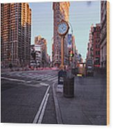 Flatiron Area In Motion Wood Print by John Farnan