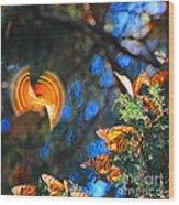 Flight Of A Monarch Wood Print