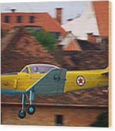 Flying Low Wood Print by Ivan Slosar