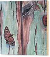 Fragile Beauty Wood Print by Patricia Pushaw