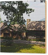 Front View Of The Cabin Wood Print by Robert Margetts