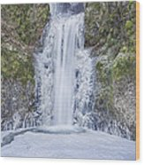 Frozen At Multnomah Falls Wood Print