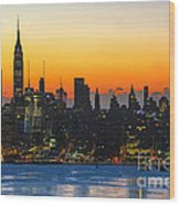 Frozen-new York At Dawn  Wood Print