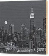 Full Moon Rising Over New York City Iv Wood Print