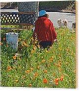 Gardening Distractions In Park Sierra-california Wood Print
