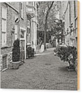 Gaslight Court Chicago Old Town Wood Print