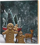 Gingerbread Family In Snow Wood Print