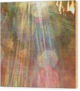 Gloria Catchin' Rays Wood Print
