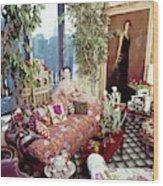 Gloria Vanderbilt In Her Living Room Wood Print