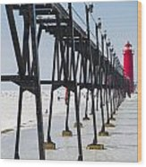 Grand Haven Lighthouse Pier In Winter Wood Print