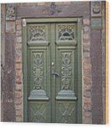 Green Door Ystad Wood Print
