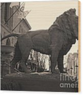 Guarded Lion Statue In Chicago Wood Print