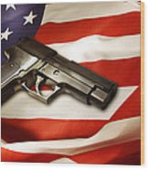 Gun On Flag Wood Print by Les Cunliffe