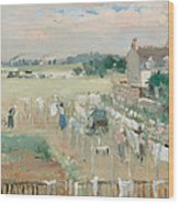 Hanging The Laundry Out To Dry Wood Print by Berthe Morisot
