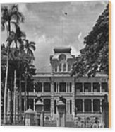 Hawaii's Iolani Palace In Bw Wood Print