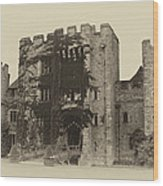 Hever Castle Yellow Plate Wood Print by Chris Thaxter