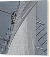 Hoisting The Mainsails Wood Print