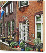 Homes Along The Canal In Enkhuizen-netherlands Wood Print