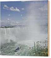 Horseshoe Falls With Maid Of The Mist Wood Print