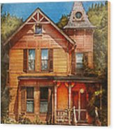 House - Victorian - The Wayward Inn Wood Print