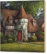 House - Westfield Nj - Fit For A King Wood Print by Mike Savad