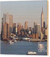 Hudson River And Manhattan Skyline I Wood Print