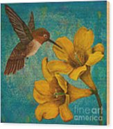 Hummingbird With Yellow Jasmine Wood Print
