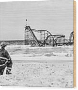Hurricane Sandy Fireman Black And White Wood Print by Jessica Cirz