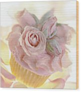 Iced Cup Cake With Sugared Pink Roses Wood Print