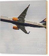 Icelandair Boeing 757 Wood Print